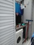 lavadero-con-porton-corredizo-abierto