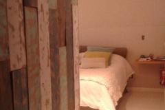 revestimiento-rustico-de-maderas-de-colores-lavadas-