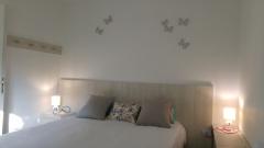 dormitorio-con-cama-de-dos-plazas-transformer-a-dos-de-1-plaza