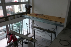 Construccion del entrepiso en steel frame.Dpto doble altura.Piso15